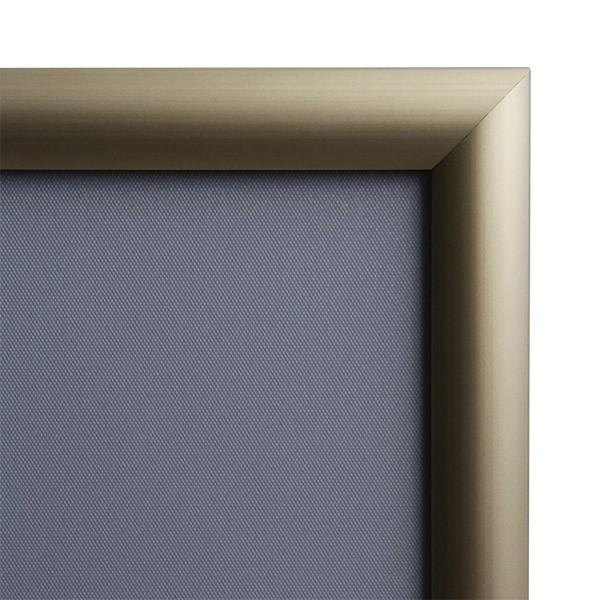 klapprahmen-25er-detail-eckverbindung-gold 1